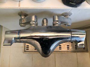浴室シャワー水栓TOTO TMW40CRシャワーホース根元から水漏れです!